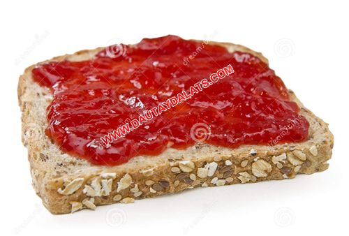 sandwich-strawberry-jam
